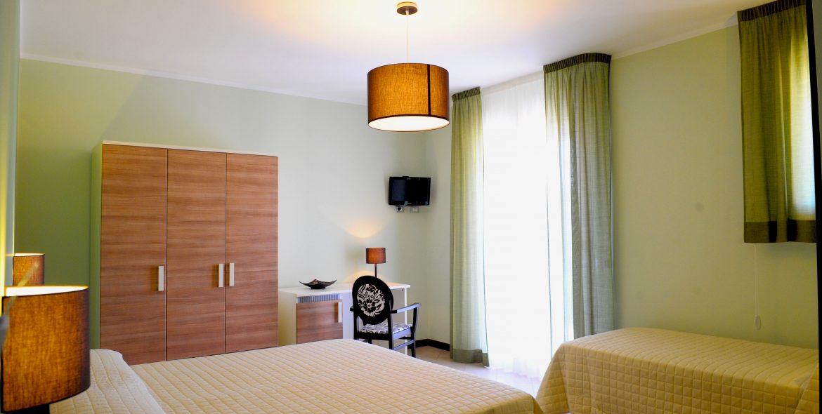 camera-quadrupla-bed-and-breakfast-stella-del-sud-avola